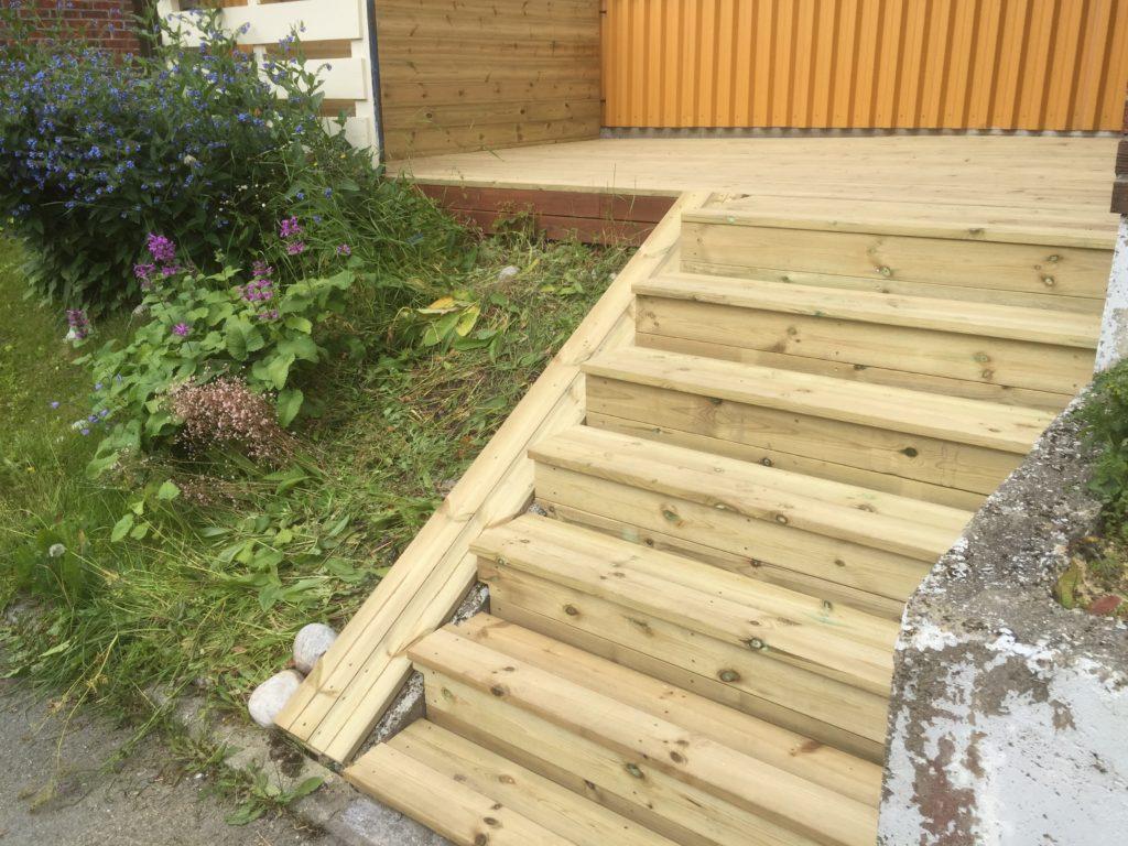 Platting med liten trapp