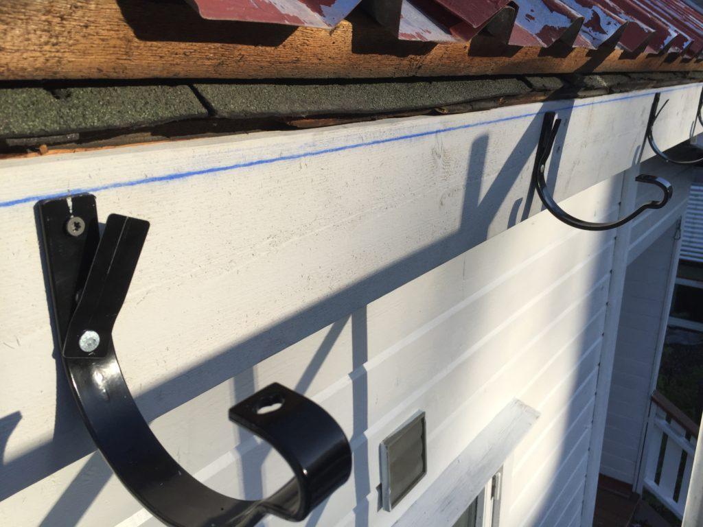 Montering av takrenne